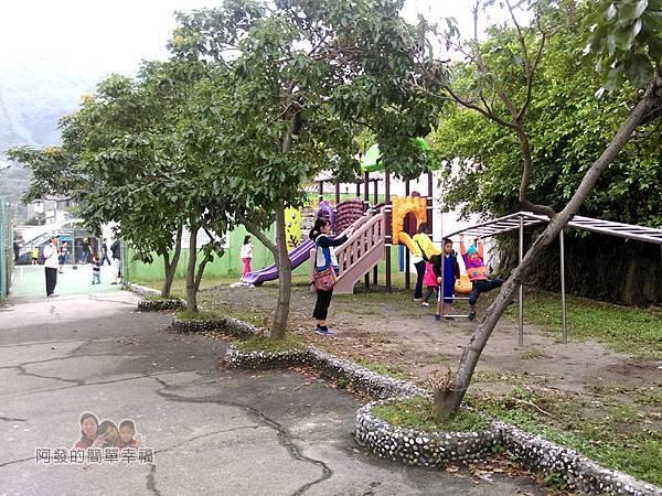 濂洞國小23-校園後方的遊戲區