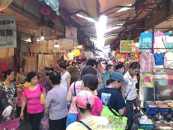 羹王老將01-泰山福泰街傳統市場非常熱鬧
