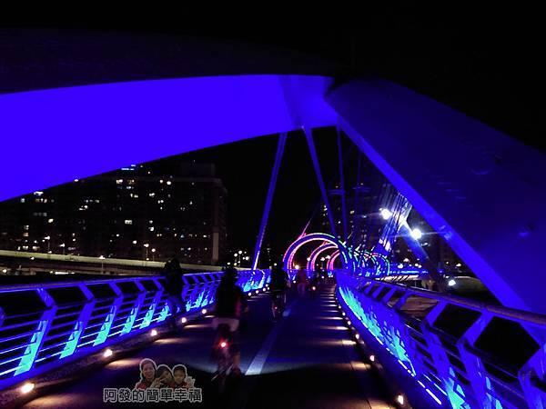 陽光橋-碧潭(夜騎)02-陽光橋入口