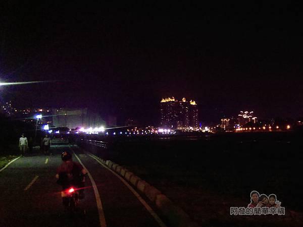 陽光橋-碧潭(夜騎)14-路上一景