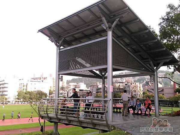 錦和運動公園07-鋼構光電涼亭