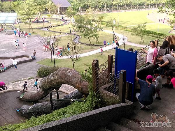 錦和運動公園12-排隊等候的人們