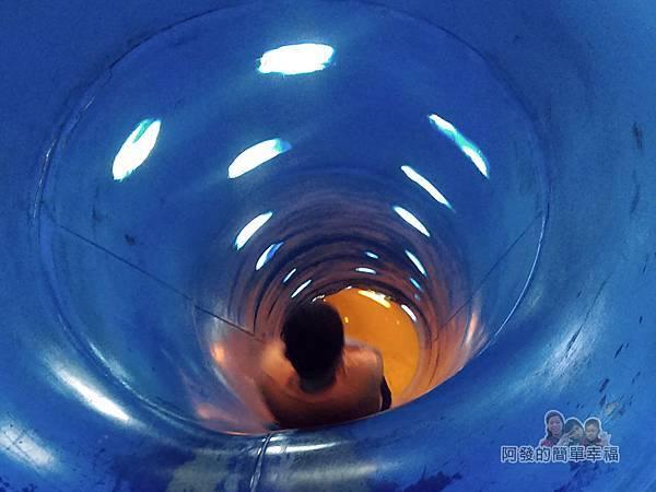 錦和運動公園17-帶點科技感的時光隧道