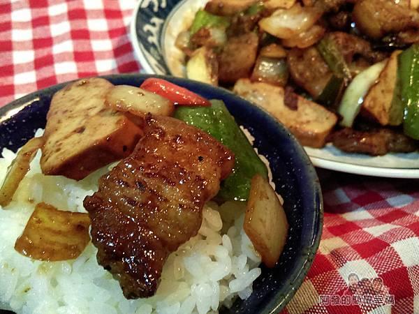 醬炒三層肉09-搭白飯
