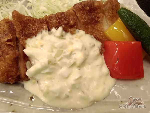美希屋17-南蠻雞排定食-雞排與塔塔醬