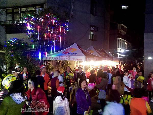 福興里聖誕公園11-點燈活動參加的人潮