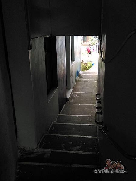 苗栗獅潭彩繪14-神秘小徑內