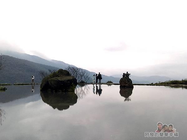 八煙聚落27-水中央景色有如國畫中的仙山仙境