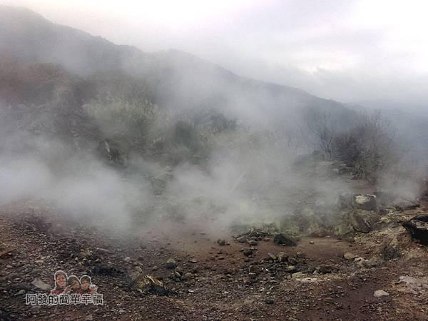 八煙聚落41-此處為當地溫泉露頭範圍地底不斷冒出熱氣