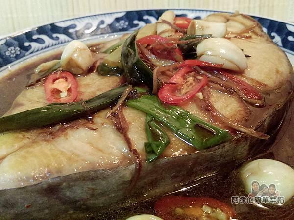 蔥燒土魠魚10-蔥蒜醬香十足