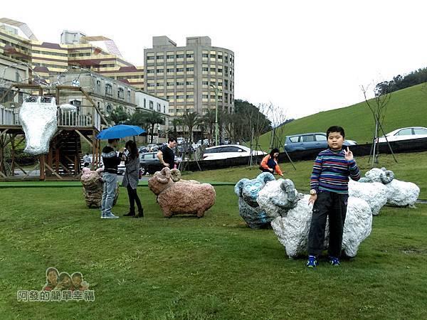 擁恆文創園區08-地景裝置藝術-數隻綿羊