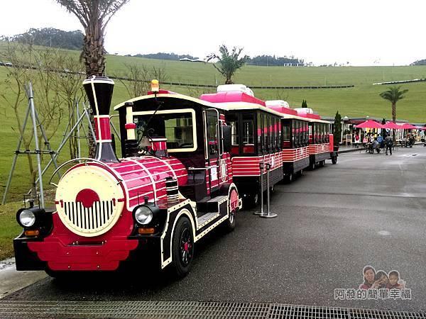 擁恆文創園區19-遊園火車造型巴士
