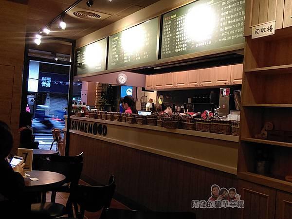 板橋小木屋鬆餅08-店內一角