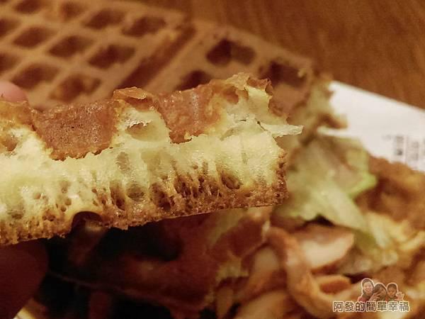 板橋小木屋鬆餅16-原味鬆餅-切面