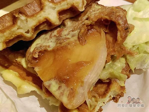 板橋小木屋鬆餅21-德洲烤雞腿蔬菜鬆餅內餡