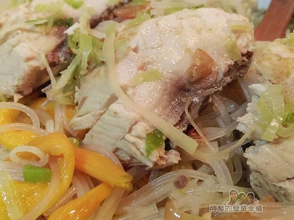 烏魚米粉湯18-烏魚米粉湯特寫