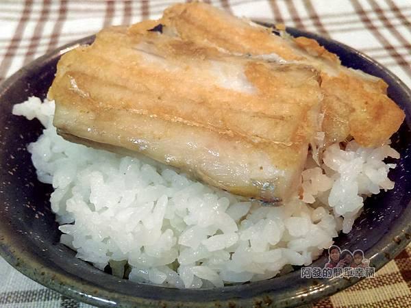 香煎白帶魚13-香煎白帶魚搭白飯