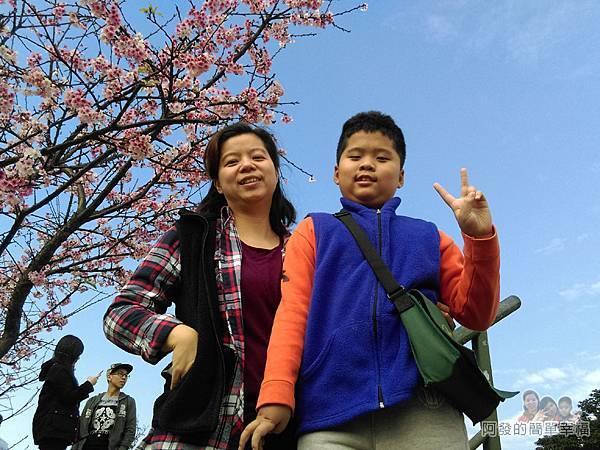 東湖樂活公園20-階梯上留影