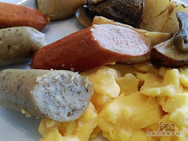 IKEA(早餐)32-特製早餐腸維也納香腸剖面