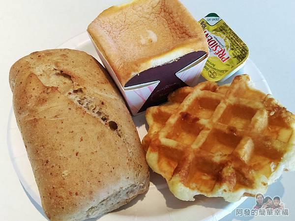 IKEA(早餐)39-比利時鬆餅麥香巧巴達北海道蛋糕
