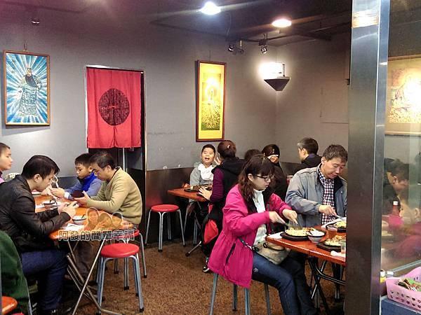 樂華夜市-小野牛牛排03-店內用餐區