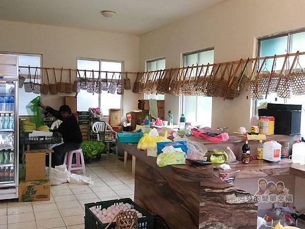 清水地熱15-農特產展售販賣區內一景