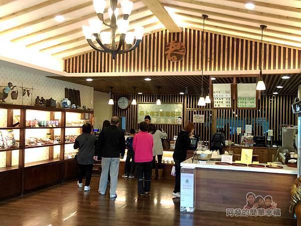 竹北-春上布丁蛋糕05-寬敞的店內空間