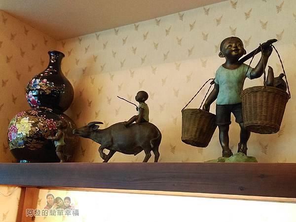 竹北-春上布丁蛋糕08-櫃上的擺飾