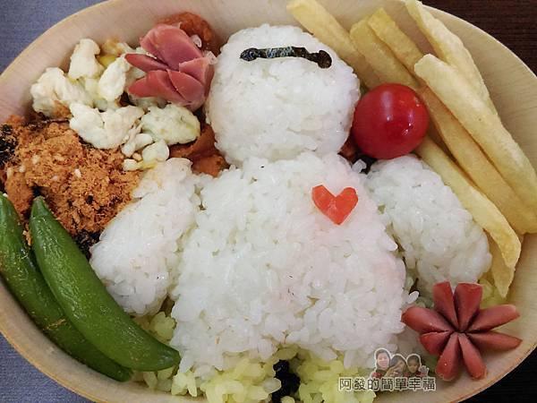 創意五色米飯糰03-老婆和兒子的作品-電影動畫大英雄天團-杯麵娃機器人(Baymax)