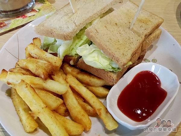 WingFlight飛鏢簡餐14-牛肉起司美式三明治套餐