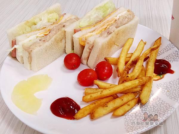 斯味漢堡07-總司令套餐-餐盤內容