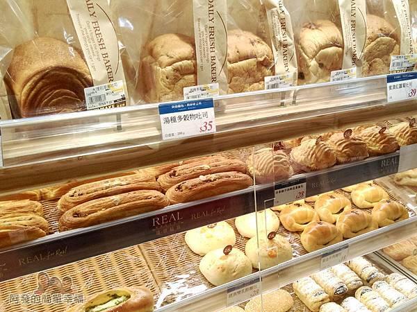 全聯全興店05-麵包區-類別不算少