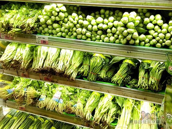 全聯全興店06-看起來乾淨又新鮮的裸賣蔬菜