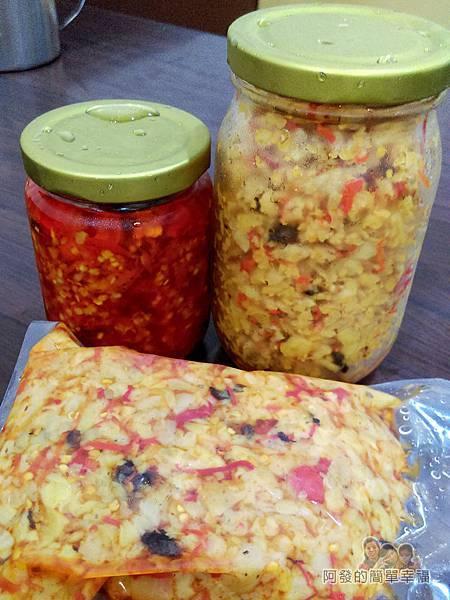 卜記專業麵線22-辣菜脯與蒜頭辣椒包裝