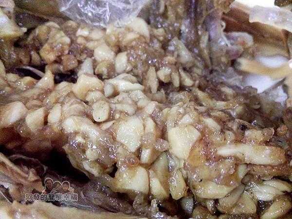 元福小吃店20-香酥肥鴨-體內塞入特製蒜末