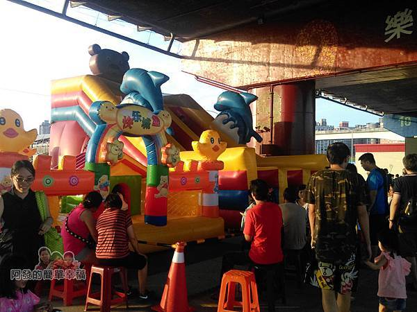 星光夜市09-兒童氣墊遊戲區