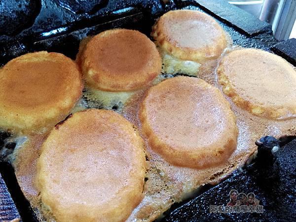 親親純蛋糕07-烤盤上的鬆餅