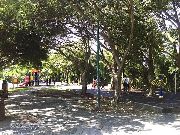 龍潭大池03-休憩綠廊區與兒童遊戲區