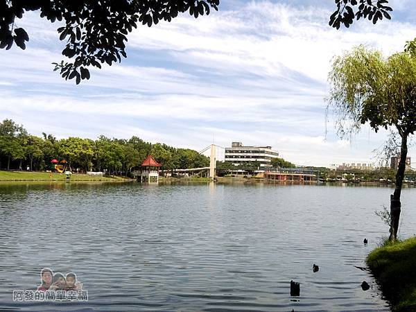 龍潭大池31-遠望休憩綠廊區與兒童遊戲區