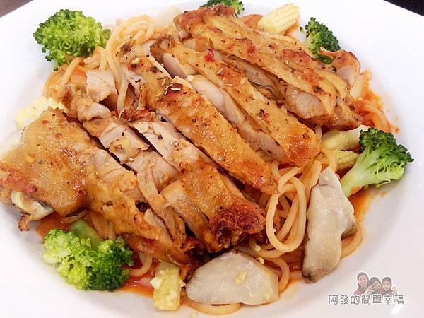 福旺亭28-茄汁迷迭香雞腿排義大利麵