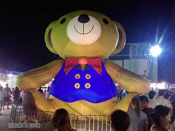 大安童話夜市26-巨無霸充氣泰迪熊