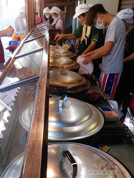 郎港式鮮肉包06-煎鍋