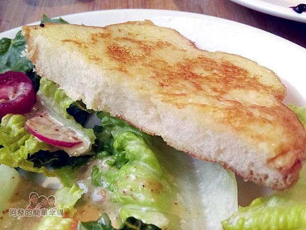 THE-TOAST-HEAVEN18-牛排吐司-花朵狀法式吐司切面