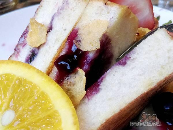 THE-TOAST-HEAVEN35-招牌夾心吐司-藍莓醬