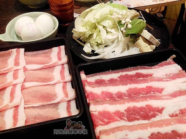 mo-mo-paradise11-菜盤與肉盤