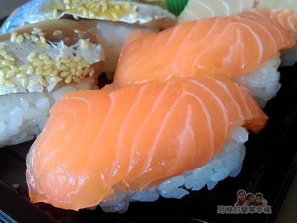 嚐鮮壽司13-生魚片壽司特寫