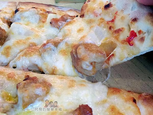 紅鬍子手工窯烤披薩21-椒麻雞披薩特寫