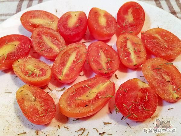 清炒蒜油風味時蔬02-烤小蕃茄