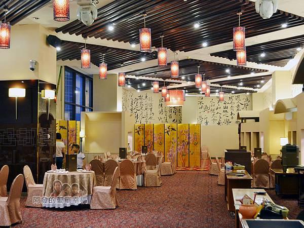 翠庭03-充滿中式典雅帶點氣派的用餐環境