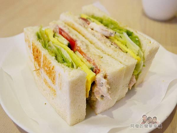 咬咬吐司12-鮪魚佐塔塔醬三明治
